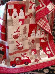 This one of the cutest winter quilts. @Sharon Halsey and @Paula ... & Merry Merry Snowman pattern, love it! by Bunny Hill Designs May have to  make a snowman quilt yet Adamdwight.com