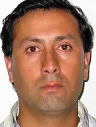 Raúl Bustos Ibáñez. Tiene 40 años, casado hace 6, dos hijos, María Paz de 5 años y Vicente de 3 años. Es Técnico Mecánico, trabajó en Asmar durante un año ... - F833350_Raul_bustos
