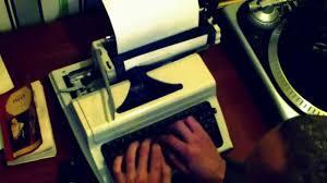 Как пользоваться печатной машинкой (как заправить бумагу, как ...