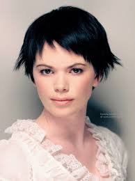Short Razor Cut Hairstyles Short Razor Cut Hairstyle With Ends That Kick Out