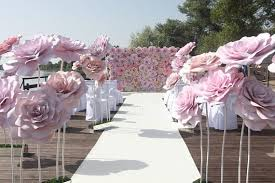 Wedding. - Photo Props. Floral installations. Love story photo shooting. -  Shop Window Displays. Floral… | Large paper flowers, Paper flowers wedding,  Paper flowers