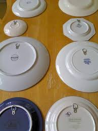 Hang plates with invisible hanger More