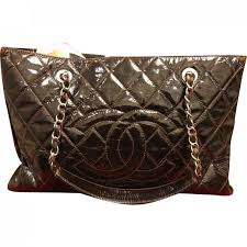 chanel women s brown pre owned grand ping patent leather bag