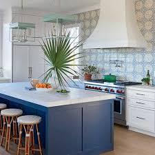 Você pode contratar esses mesmos profissionais para desenvolver um projeto com o seu perfil de alguns ambientes, ou a casa toda por um custo abaixo do praticado pelo mercado. Cozinha Azul 58 Projetos Lindos Combinacao De Cores