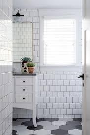 black and white hexagon bathroom floors