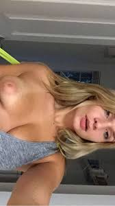 Zoie Burgher Nude Leaked Photos
