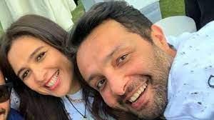شقيق ياسمين عبدالعزيز يدعمها خلال فترة تعافيها