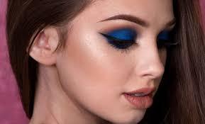 eye shadow for blue dress