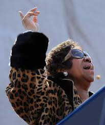 aretha franklin sings during a dedication ceremony at the martin luther king jr memorial in washington d c on oct 16 2016