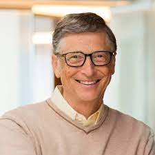 Bill Gates toma vacina contra covid e brinca sobre a idade | Internacional  e Commodities