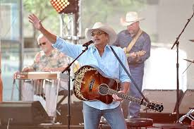 Alan Jackson Extends Keepin It Country Tour With 2016 Dates