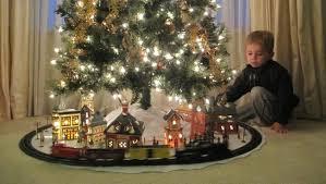 K christmas-tree-train-set