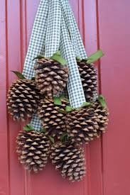 Pine Cone Christmas Decorations 98 Best Pine Cone Projects Images On Pinterest Christmas Ideas