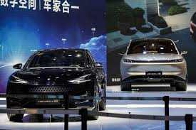 The stock had plunged 18% in the past month to its lowest since march 2020. Evergrande Raises 1 4 Billion Selling Shares In Ev Unit Bloomberg