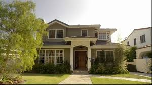 """Claire and Phil    s House from """"Modern Family""""   IAMNOTASTALKERScreenShot"""
