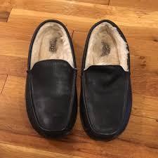 men s ugg ascot leather slipper m 5ae654be36b9ded6f969d958