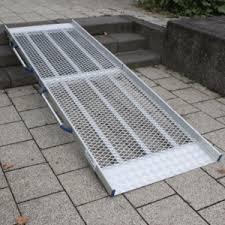 Ich habe handläufe auf beiden seiten der treppe, die gut zu umfassen sind. Feste Rollstuhlrampe Fur Den Hauseingang Bequem Online Bestellen