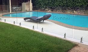 frameless spiggot glass pool fencing