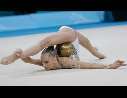 incredible flexible gymnasts picture rhythmic gymnastics world chionships abc news