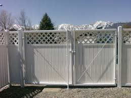 Image Lowes The Beauty Of Tahoe Fences Vinyl pvc Products Is In Their Simplicity And Versatility Styles Are Available That Match Many Variations Of Our Wood And Tahoe Fence Pvc Vinyl Tahoe Fence