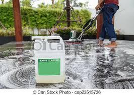 Als reinigungsmittel eignen sich spezielle putzmittel für laminat oder holzböden. Thai Leute Putzen Schwarzen Granitboden Mit Maschine Und Chemic Thais Putzen Schwarzen Granitboden Mit Maschinen Und Canstock