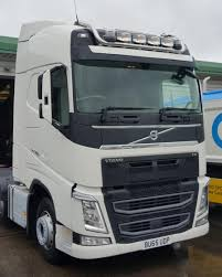 Volvo FH V4 drop down HILITE roof bar - Spot On Truck Bars
