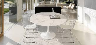 saarinen dining table round