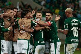 Palmeiras supera protestos, vence e fica perto de avançar na Libertadores -  10/04/2019 - UOL Esporte