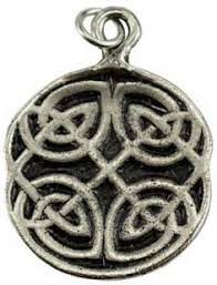 this amulet is a powerful aid in reaching out to the four cardinal directions the
