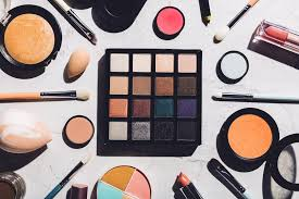 how to be basic top 10 basic makeup essentials you need in your makeup kit the teelie