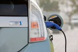 Plug-in hybrid problem: buyers don't understand them at all