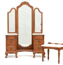 Lexington Victorian Sampler Bedroom Furniture Lexington Furniture Victorian Sampler Collection Vanity Ebth