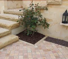 Der grundriss dieser kombination von gerader und gewendelter treppe bietet vielseitige gestaltungsmöglichkeiten. Naturstein Pflastersteine Sandstein Redstone