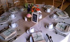 rustic round table setting weddings june th it was a good week burlap table runners on