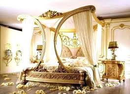 Canopy Bed With Curtains Beds With Curtains Behind Twin Canopy Bed ...