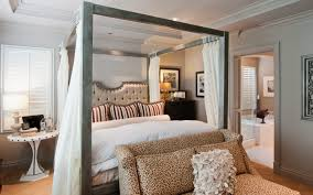 Luxury Queen Size Canopy Bed