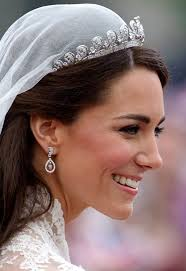 kate middleton s wedding dress a look back at her iconic alexander mcqueen bridal gown mirror