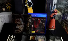 Unboxing Metal Gear Solid V The Phantom Pain Collector S