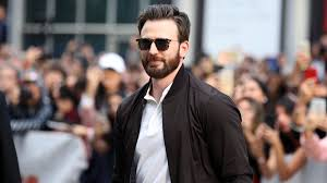Chris Evans Accidentally Leaked A Nude And Of Course, Twitter Had Jokes -  Culture