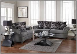 what color furniture goes with gray walls inarace