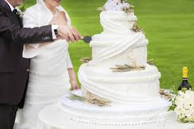 Budget Wedding Cakes Ideas Articles Easy Weddings