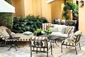 to arrange outdoor furniture