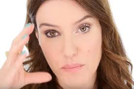how to make eyes look bigger or smaller for gles with lisa eldridge