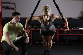 gym instructor what is the difference between a gym instructor and a pt