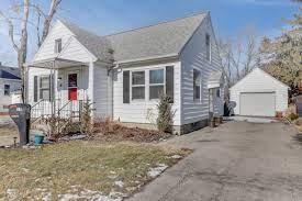PropertyUP MLS# 10983297 for sale - 15 E Third El paso, Illinois 61738