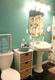 20 diy room makeovers for spring inspiration pedestal sink