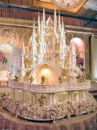 Are These The Most Elaborate Wedding Cakes Of All Time Daily Mail