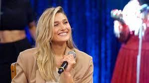 Sasha Meneghel recebe surpresa de Xuxa no 'Altas Horas' deste sábado