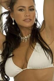 Joe Manganiello loves Sofia Vergara's butt - sofia-vergara-barry-peele-shoot-1367604613
