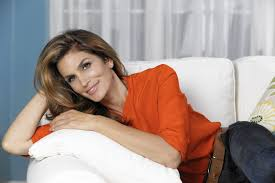 Cindy Crawford talks Becoming herself being a mom and learning.